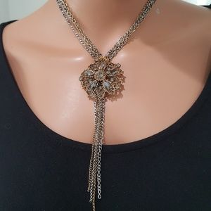SEQUIN TWO TONE FLOWER LARIAT NECKLACE